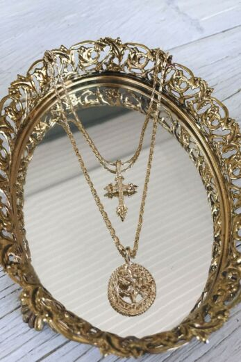 Vanessa Mooney The Gold Rossa Charm Necklace Mirror