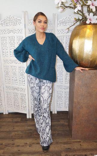 Ella V-Neck Sweater Ocean Blue
