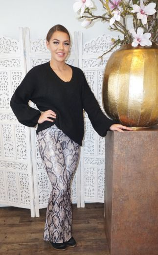 Ella V-Neck Sweater Black