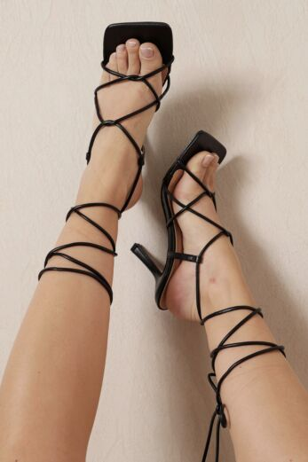 Eve Right On Line Lace Up Heels Black