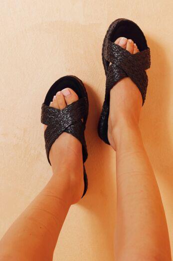 Eve Everlasting Crossed Sandals Black Close 1