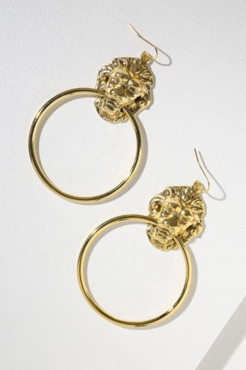 Vanessa Mooney The Vandal Door Knocker Earrings Gold Front